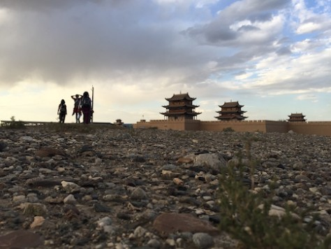 The land westward from the Jiayuguan Gate was a barren wasteland.