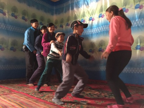 After the initial shyness, the children played well together with the Kyrgyz village children.