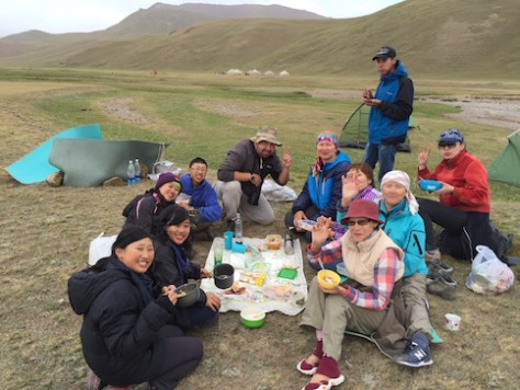 We cooked breakfast together as a group, enjoying the hot tea, bread, and porridge in minus degree temperature.
