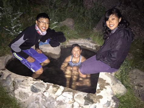 We had lots of fun dipping in the hot spring while counting the shoot stars.