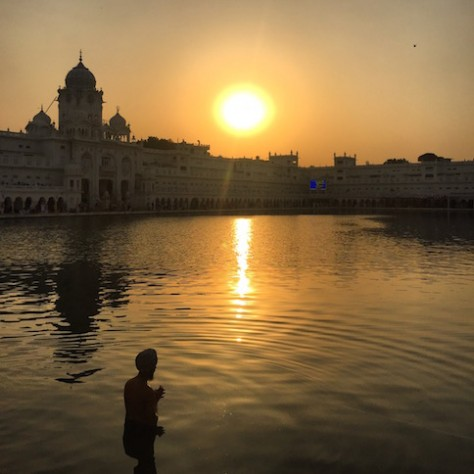 Many men and women washed themselves in the pool of the Golden Temple.