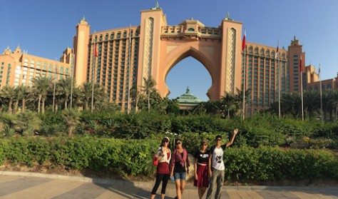 We walked around the Atlantis Hotel at the end of the Palm Jumeriah. We felt as if we were in Las Vagas.