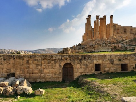 The Roman ruin of Jeresh is one of the most complete example of a planned Roman city.
