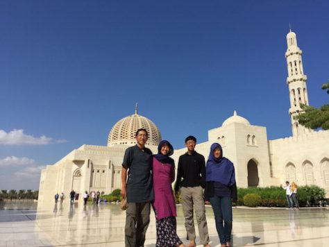 Visiting the Grand Mosque in Muscat, Oman gave us a better understand of the Islamic Culture.