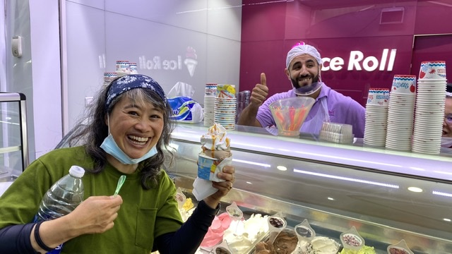 """The vendor gave us free ice cream """"replacement"""" without asking!"""