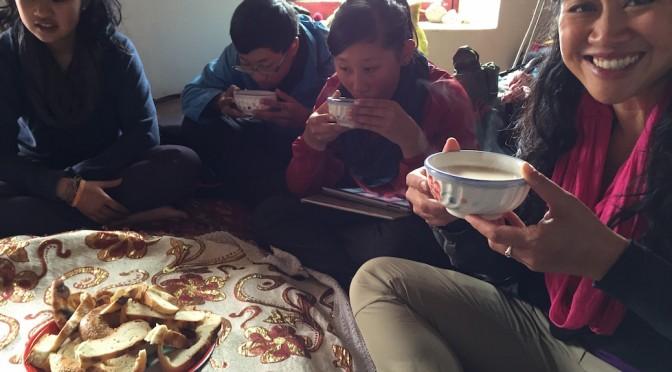 Enjoying Hospitalities in Xinjiang